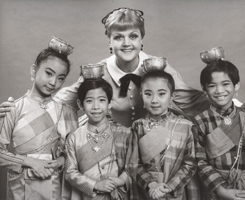 Angela Lansbury and the children in THE KING AND I