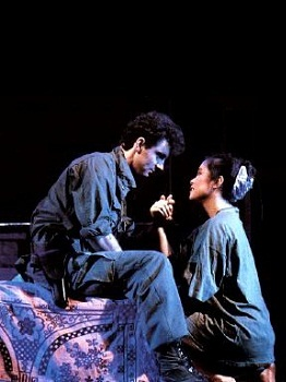 Simon Bowman and Lea Salonga in the original production of MISS SAIGON