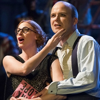 The National Theatre's THE THREEPENNY OPERA